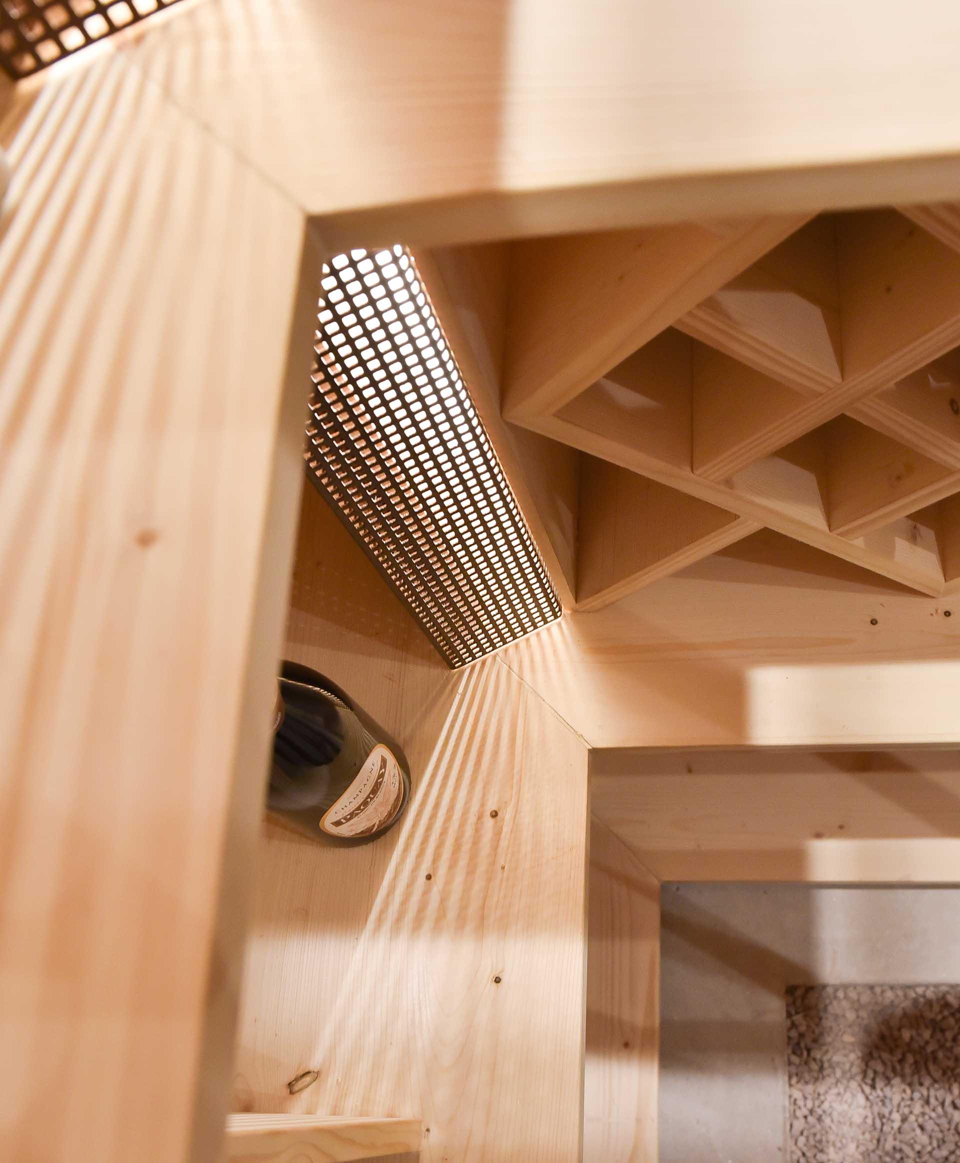 Réalisation d'une cave à vin design et sur mesure